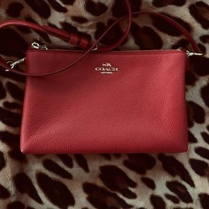 AUTHENTIC COACH RED CROSSBODY BEAUTIFUL